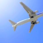 飛行機が遅延や欠航した場合の対応はどうしたらいいの?どうしてもその日に行かないと